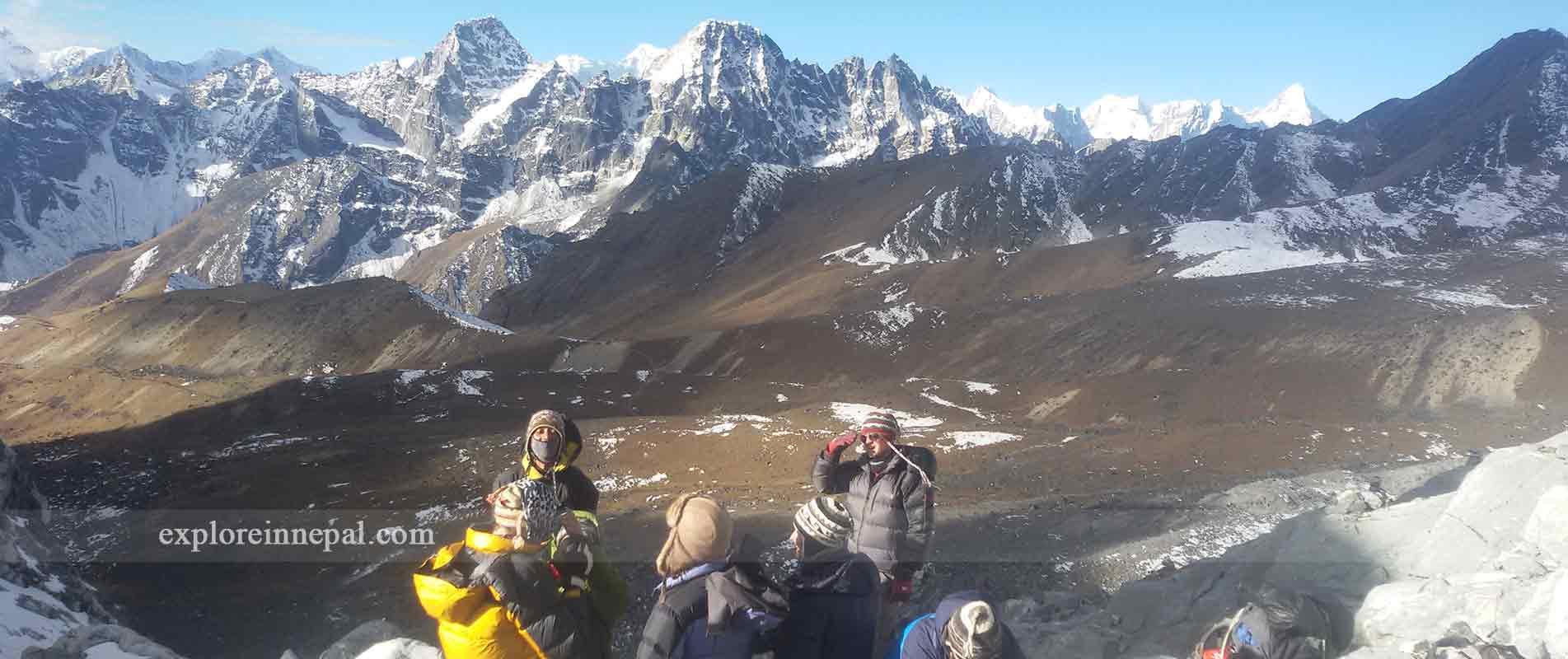 trekking-in-three-high-pass