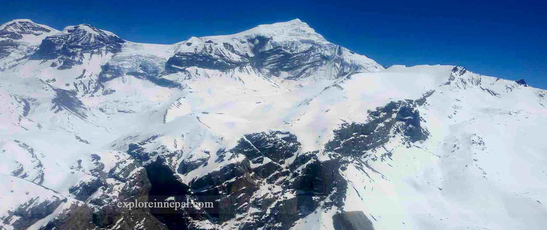 trek-to chulu-west-peak